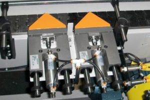 Case handling conveyor system