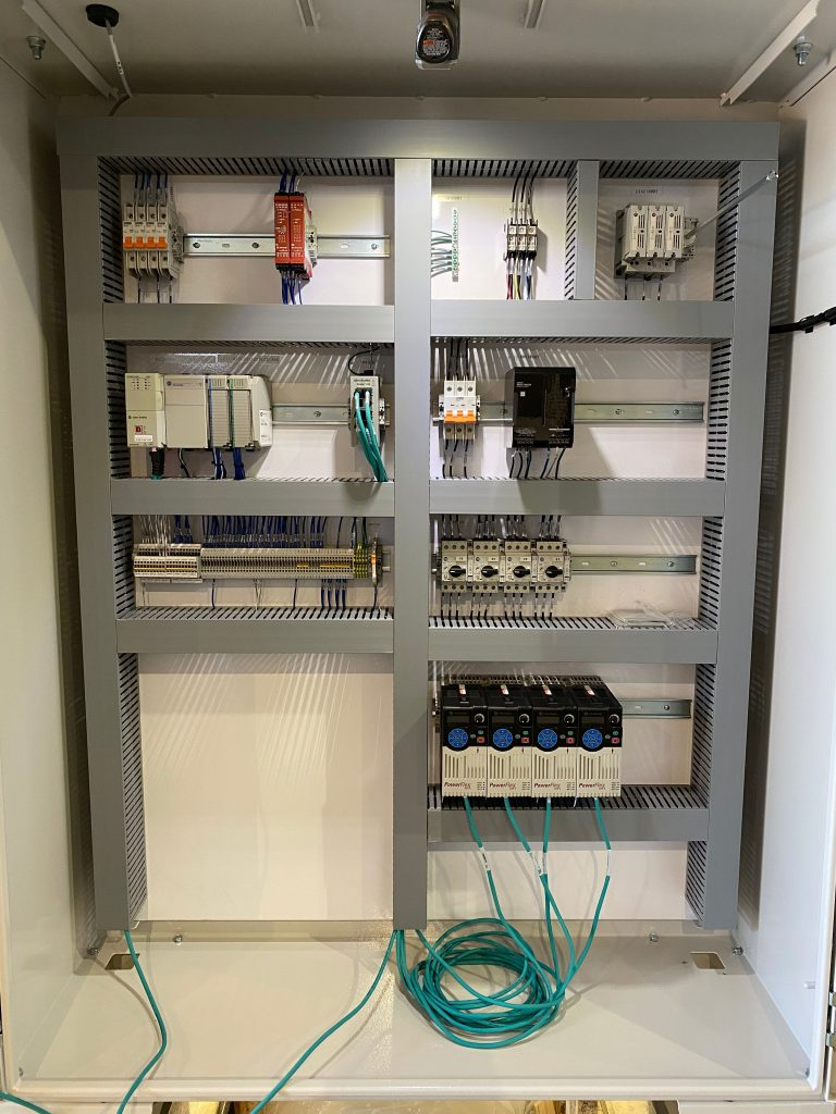 Panel in cabinet, finished